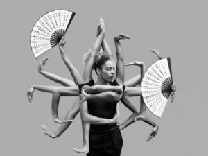 Чёрно-белое фото, Танец с веерами, Танец руками
