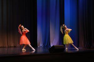 Классический танец с зонтами (дуэт)