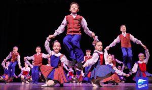 uchastniki-horeograficheskogo-konkursa-tancuyushchiy-most-2019
