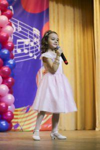 Дети поют на вокальном конкурсе Весенний Спев (Сочи 2019)